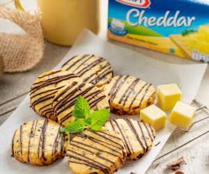 Choco Cheese Almond Cookies