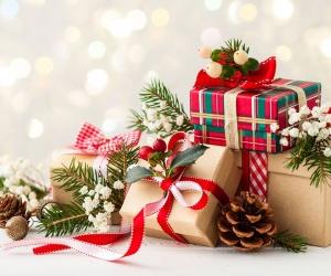 5 Trik Bungkus Kado Natal Biar Keren